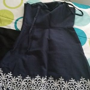 Sleeveless dress navy blue with embroidered hem